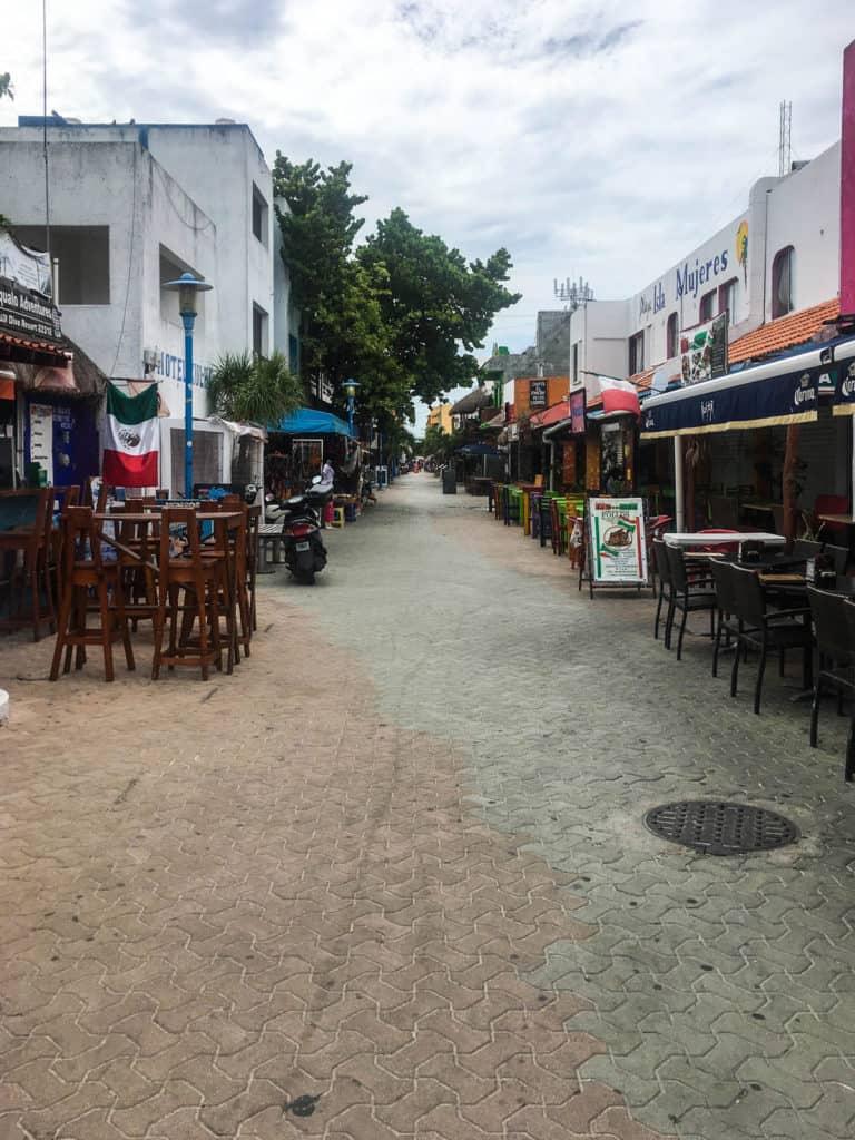 El Centro Isla Mujeres, Mexico