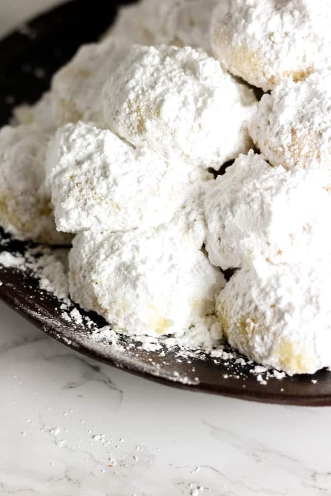 Kourabiedes - Greek Christmas Cookies