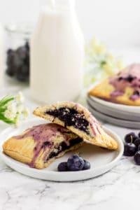 Paleo Blueberry Pop Tarts (gluten free, grain free, refined sugar free)