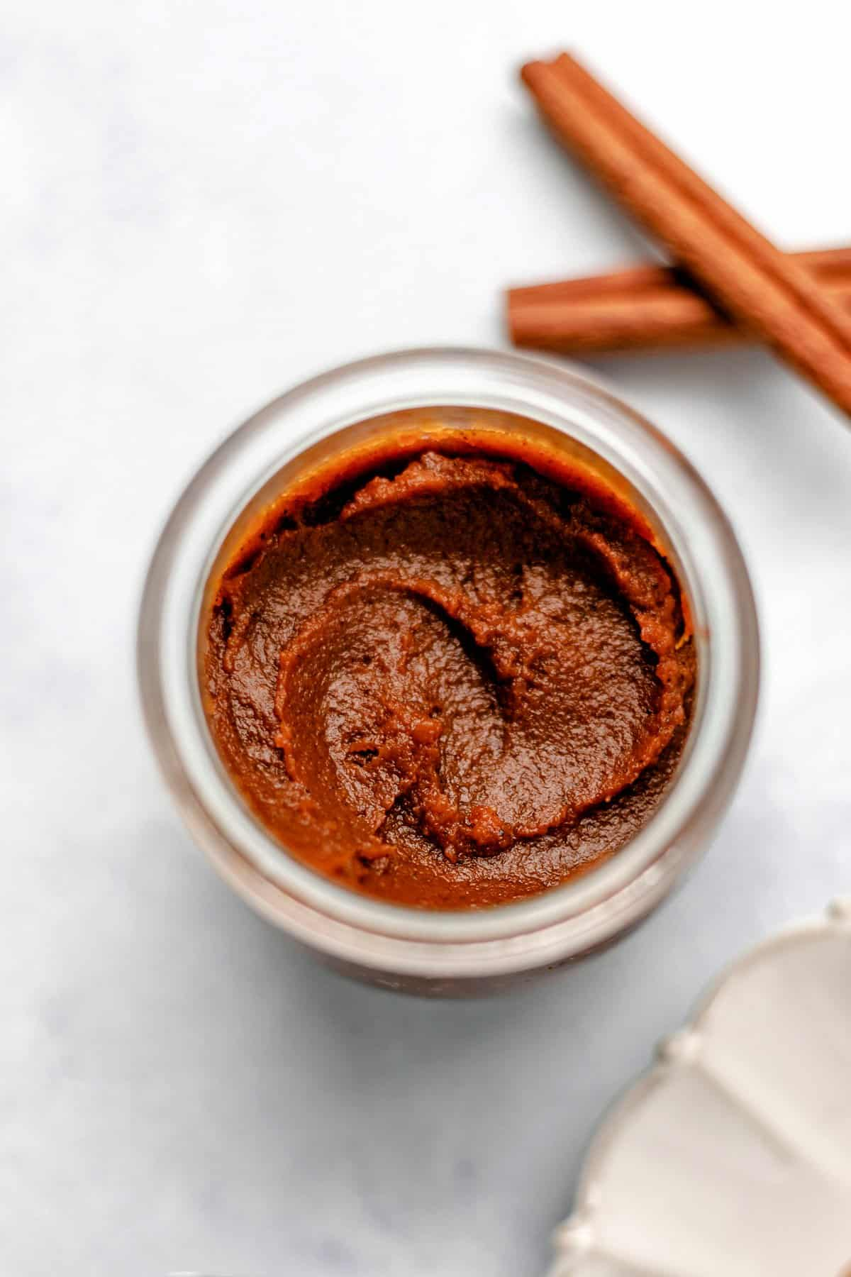 Quick and Easy 6-Ingredient Pumpkin Butter
