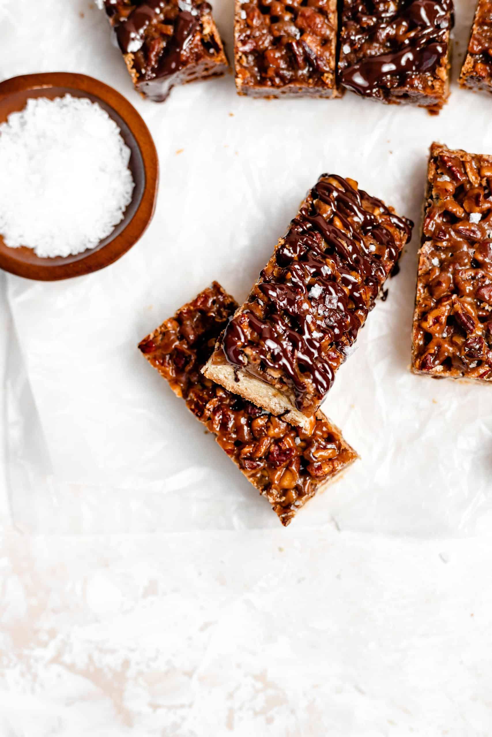chocolate drizzled caramel pecan shortbread bars