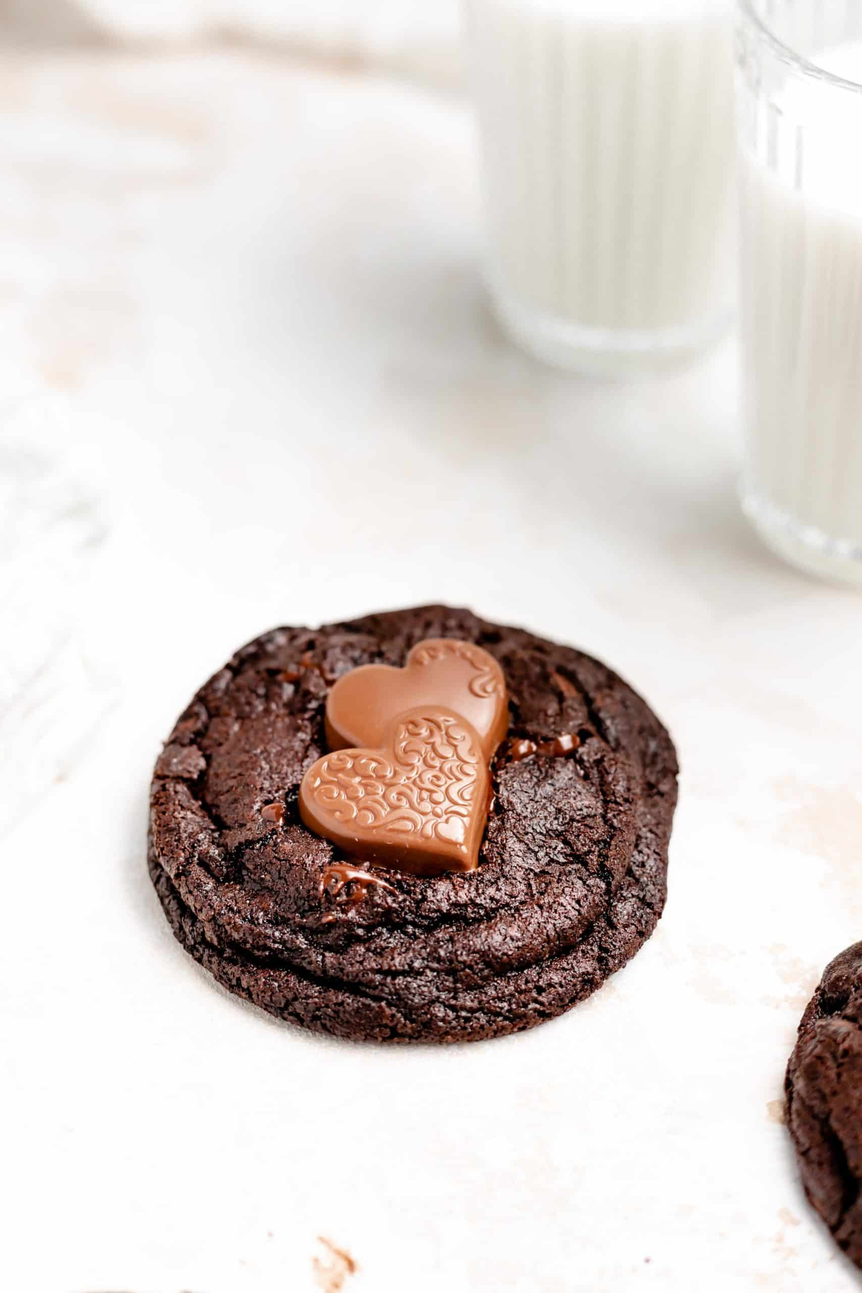 chewy chocolate chocolate chip cookie