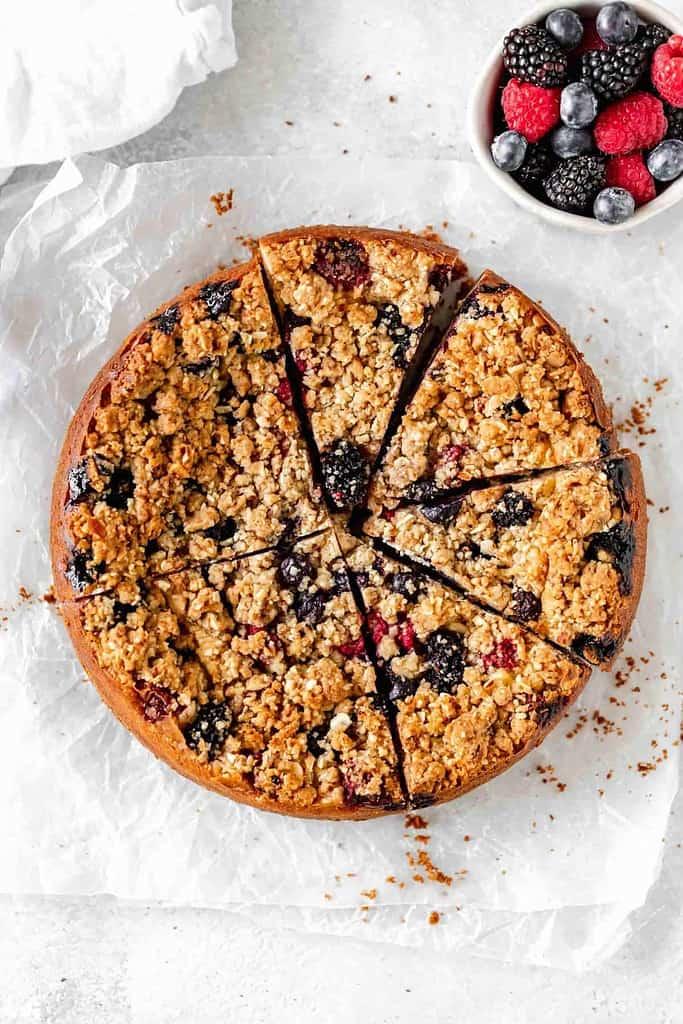 berry streusel cheesecake