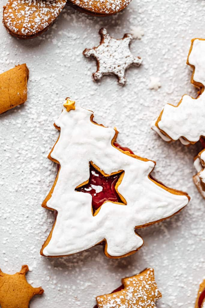 christmas tree gingerbread linzer cookie