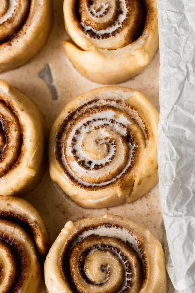 cinnamon rolls with heavy cream